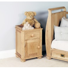 Amelie Oak Bedside Cabinet (one door one drawer)